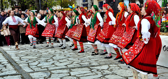 2.-1000-Bulgarian-costumes-in-one-place_Europe_Davidsbeenhere-Photo-credit-www.destinationrazlog.com_