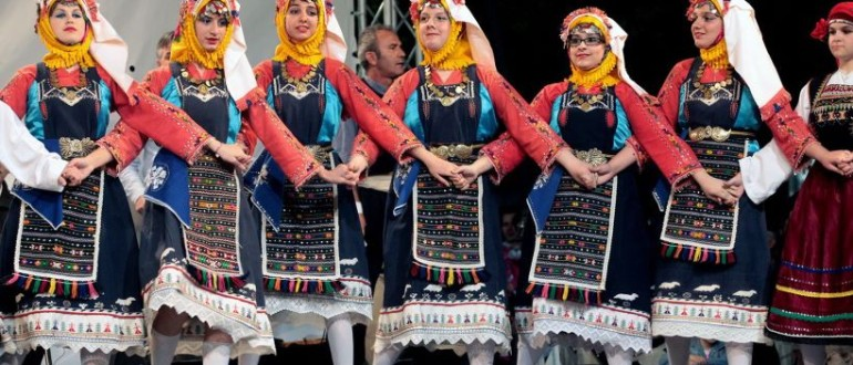traditional-costumes-and-dances-of-thrace